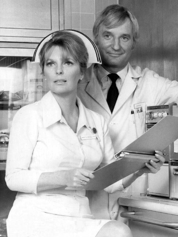 Julie_London_Bobby_Troup_Emergency_1971
